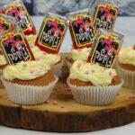 Het is pas een feestje wanneer deze Flugel cupcakes uit de Airfryer op tafel verschijnen.