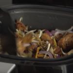 Geen wokpan meer nodig: Een volwaardige bami met kip en groenten maak je eenvoudig in de Airfryer!