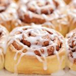 Bij deze cinnamon rolls uit de Airfryer lik je je vingers af!
