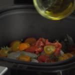 Van deze combinatie worden wij gelukkig: Zalm met garnalen in groente pesto en gepofte tomaatjes!